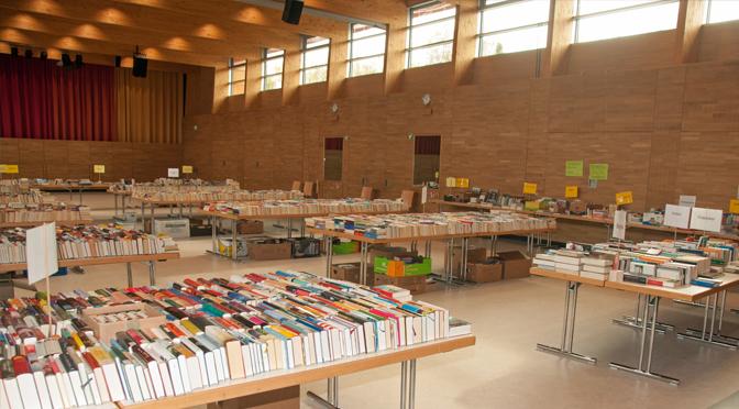 Großer Büchermarkt in der Stadthalle